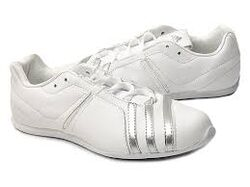 Кроссовки Adidas DARINCA